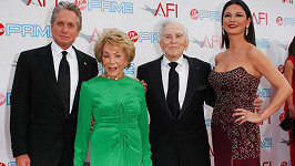 Zleva: Michael, Anne, Kirk a Catherine Zeta-Jones