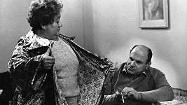 Marie Motlová a Josef Šebánek ve filmu Hogo fogo Homolka (1970)