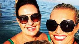S maminkou Alenou a dcerou Lindou na společné dovolené