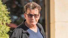 Charlie Sheen je ve finanční tísni.