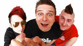 Kluci z kapely Rybičky 48 můžou být rádi, že se do Čech vrátili v plné sestavě.