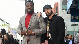Eminem podpořil 50 Centa při odhalování hvězdy na chodníku slávy.