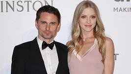 Zpěvák a kytarista kapely Muse Matthew Bellamy a jeho žena Elle čekají přírůstek do rodiny.