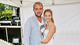 Libor Bouček s přítelkyní Gábinou Bendovou