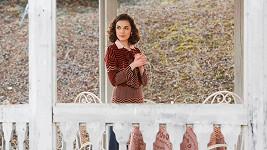 Brigita Cmuntová je ozdobou nové série první republiky.
