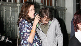 Dan Bárta s těhotnou manželkou Alžbětou
