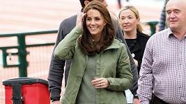 Kate je po mateřské s princem Louisem oficiálně zpět v práci.