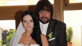 Jirka s Andreou měli deštivou svatbu.