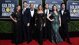 Tom Hanks s rodinou na Zlatých glóbech
