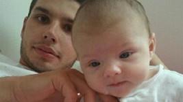 Jan Šťastný mladší s dcerou Leontýnkou, kterou opustil a nechce ji vídat.