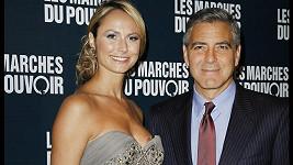 George Clooney se svou přítelkyní Stacy Keibler.