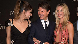 Tom Cruise, Sofie Boutelly (35) a Annabelle Wallis (32) na premiéře filmového remake Mumime v Paříži