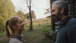 Zdeněk Svěrák a Ivona Krajčovičová ve filmu Co je vám, doktore?