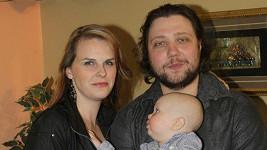 Felix Slováček mladší s partnerkou a synem Felixem.