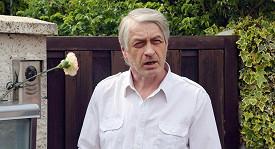 Josef Rychtář stále odolává tvrzením, že už usíná v náručí jiné ženy.
