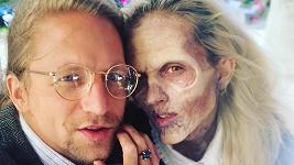 Na Tamaře se maskéři opravdu vyřádili, přesto jí Tomáš Klus vyznával lásku.