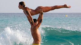 Zvedačka v podání sexy Argentinky a jejího svalnatého přítele.