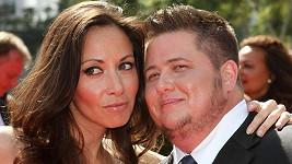 Chaz Bono (vpravo) a Jennifer Elia na archivním snímku.