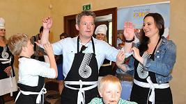 Patroni Dětského činu roku se pustili do vaření.