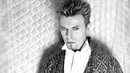 David Bowie se nově pyšní titulem 'nejlépe oblékaný Brit v historii'.