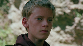 Už ve své první roli ve čtrnácti letech nezapřel podobu s tátou a dědou.