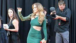 Půvabná Jennifer Lopez před večeří zářila štěstím.