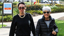 Amanda Bynes s maminkou Lynn, která je zároveň její opatrovatelkou.