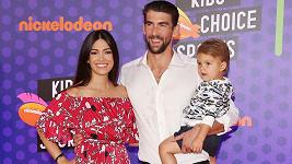 Michael Phelps s manželkou Nicole Johnson a starším synem Boomerem