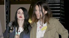 Frances Bean Cobain a Isaiah Silva v roce 2015