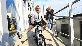Veronika se předvedla na kole.