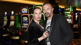 Tomáš Řepka se pustil do Erbové. Na snímku se současnou partnerkou Kateřinou Kristelovou.