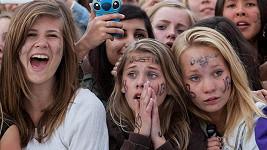 Celkem 49 norských fanynek skončilo se zraněním po koncertě Justina Biebera.