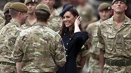 Krásné Kate to mezi vojáky evidentně svědčilo.