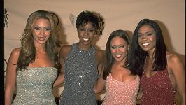 Destiny's Child - Farrah Franklin je druhá zprava.