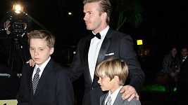David Beckham s Brooklynem a Romeem na Military Awards.