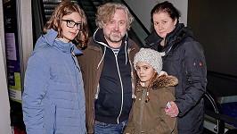 Jan Hřebejk si vyrazil s rodinkou do kina.