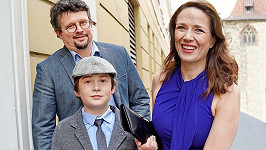 Tereza Kostková s manželem Jakubem Nvotou a synem Tondou