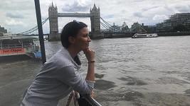 Gábina vyrazila na tři dny do Londýna.