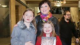 Bára Kodetová s dcerami Violetou a Sophií