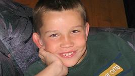 Poznáte v usměvavém chlapečkovi populárního zpěváka?