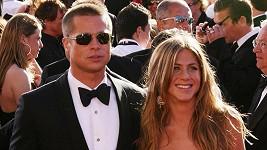 Brad Pitt a Jennifer Aniston na archivním snímku