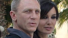 Daniel Craig a Bérénice Marlohe.
