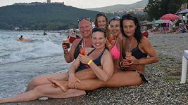 Drink na břehu moře.