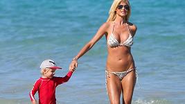 Victoria Silvstedt se synovcem na Miami