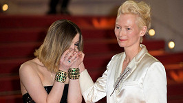 Tildu Swinton doprovodila na premiéru dcera Honor Byrne.