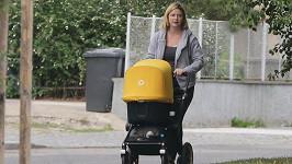 Marie Doležalová na procházce s dcerkou Alfrédou