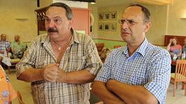 Někdejší milostní sokové Venca Konopník a Šimon Plánička po jednatřiceti letech. Poznali byste je?