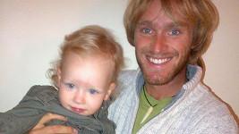 Jakub Vágner se svým synovcem Maxem.
