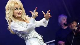 Dolly Parton měla prý spoustu aférek, ale vždy se vrátila domů za manželem...