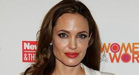Okouzlující Angelina Jolie.